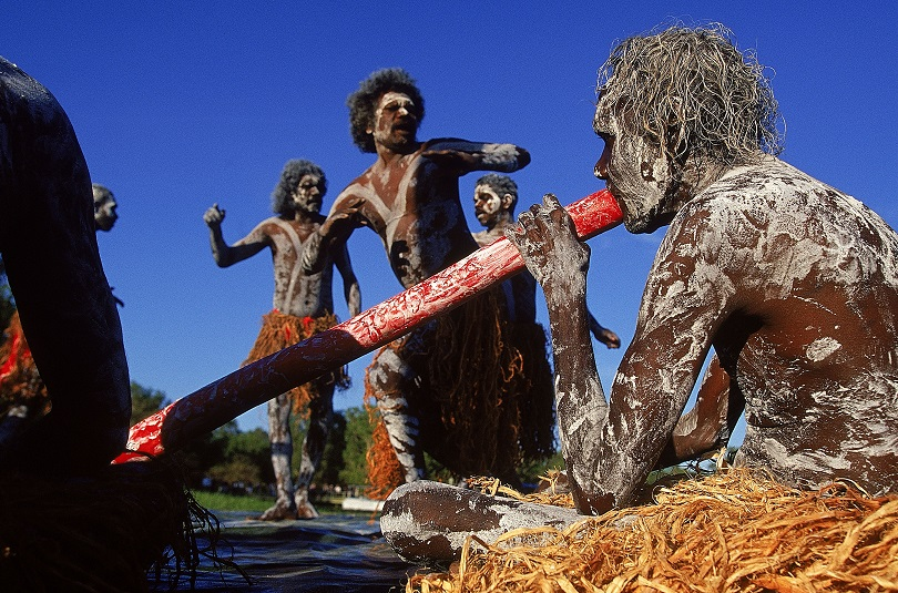 29 Jun 2000:  General view of Aboriginal dancers   during day 22 of the 2000 Sydney Olympic Torch Relay at Yellow Water in Kakadu National Park,Northern Territories,Australia.   Mandatory Credit: Adam Pretty/ALLSPORT